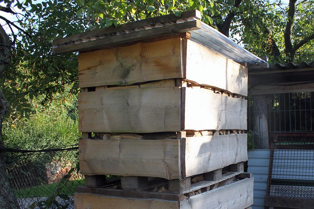 Kaminholz in der Holzbox