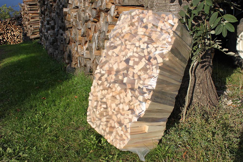Anmachholz im handlichen Beutel